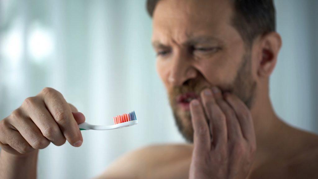 El sangrado de encías está provocado por la enfermedad gingival